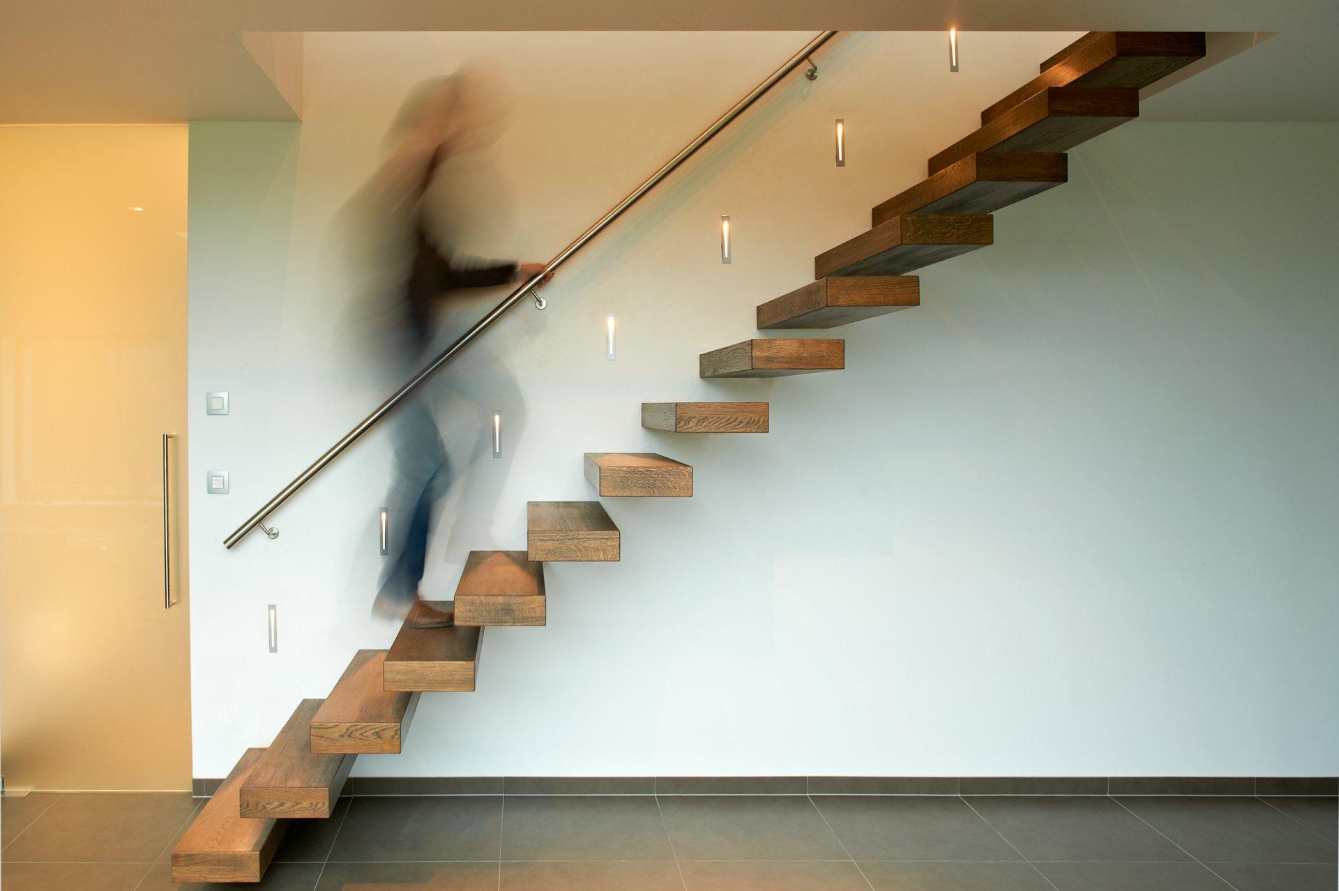 Zwevende trap voor een open gevoel decotrap