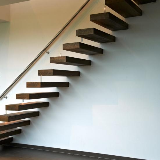 Zwevende trap voor een open gevoel decotrap - Model interieur trap ...