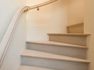 Klassieke trap voor tijdloos interieur decotrap